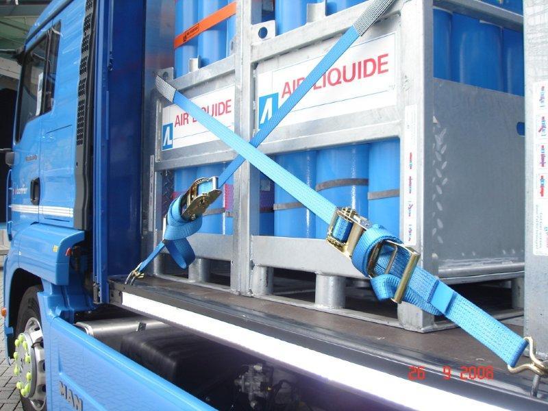 Sistema de amarração de cargas
